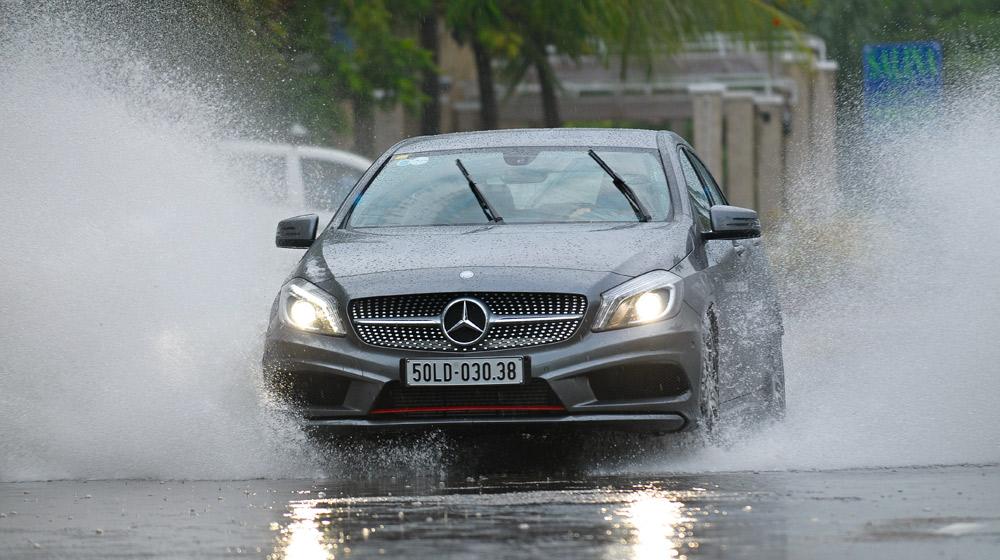 Bí quyết bảo dưỡng ô tô đúng cách trong mùa mưa