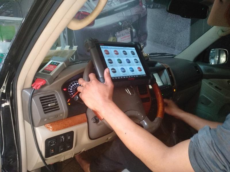Garage sửa chữa điều hòa Lexus uy tín tại TPHCM