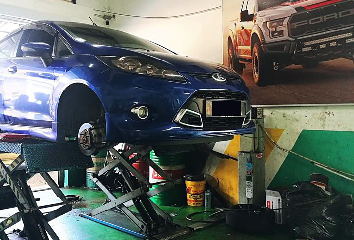 Gara sửa chữa xe Ford uy tín tại quận 7