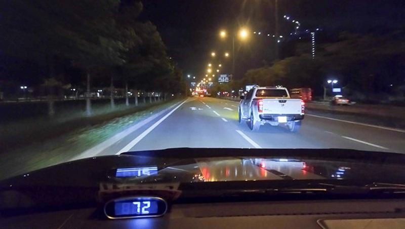 Mẹo lái xe ô tô ban đêm của các chuyên gia