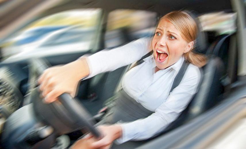 Nổ lốp ô tô và cách xử lý an toàn