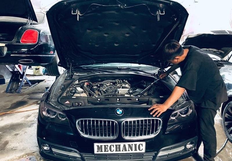 Động cơ xe BMW bị hao nước làm mát bởi những nguyên nhân nào?
