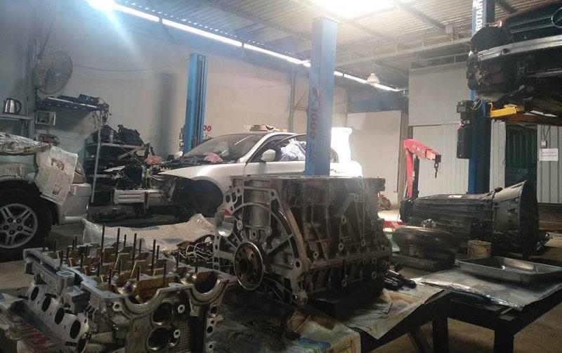 Gara sửa chữa động cơ ô tô chuyên nghiệp tại TPHCM