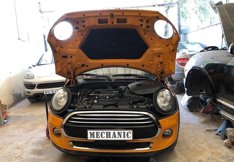 Gara sửa chữa ô tô hiện đại và chuyên nghiệp tại TPHCM