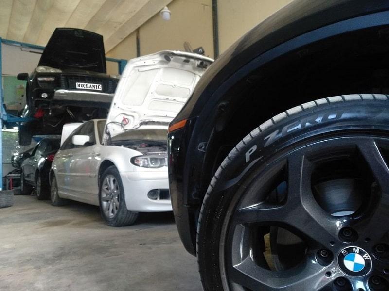 Sửa chữa một chiếc ô tô mất bao nhiêu thời gian?
