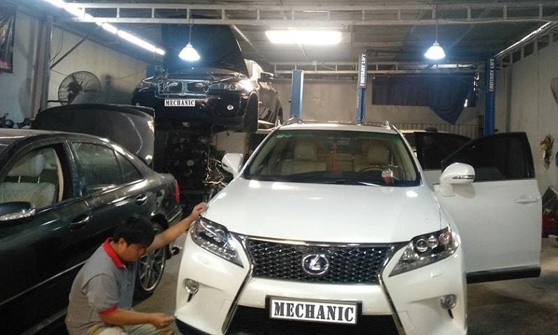 Garage chuyên sửa chữa xe ô tô Toyota tại TPHCM