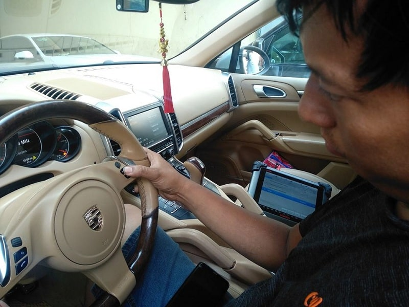 Sửa xe ô tô cao cấp tại TpHCM chuyên nghiệp và uy tín
