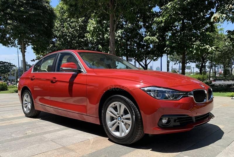 Nên mua BMW 320i cũ hay không? Những điều cần biết về dòng xe này