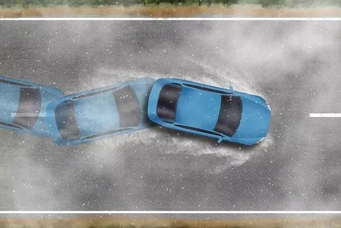 Xe bị trượt nước