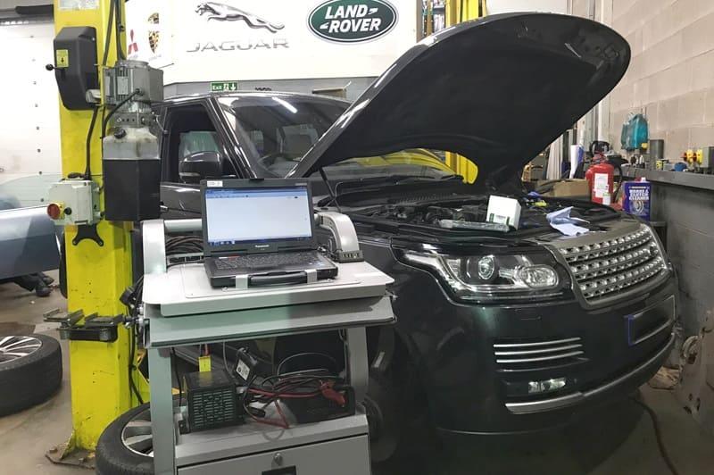 Sửa chữa điện xe Land Rover chuyên sâu