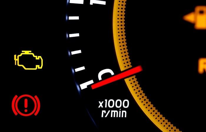 Sử dụng xe Mercedes khi đèn Check Engine sáng