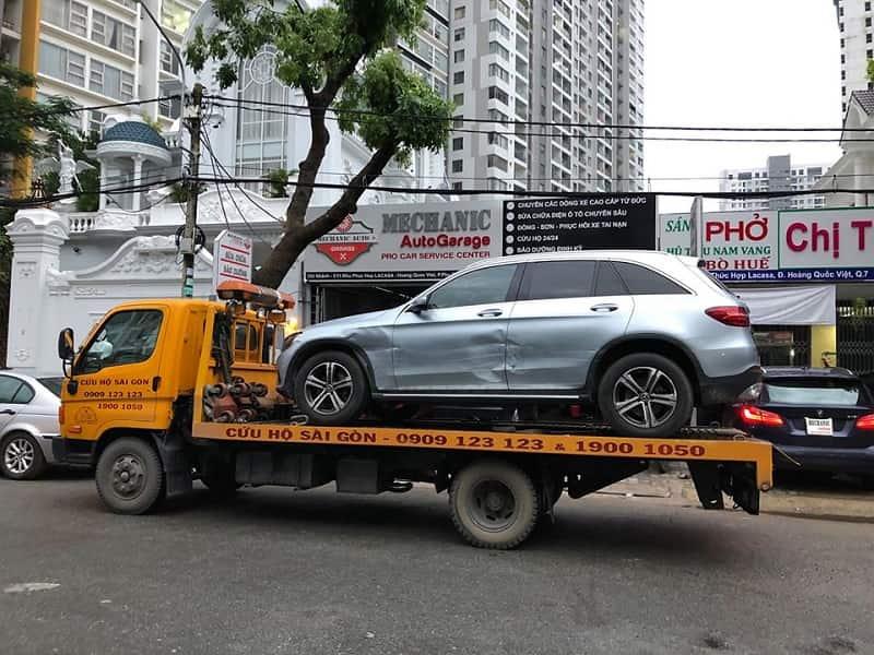 Có nên thay phụ tùng chính hãng khi sửaô tô tai nạn
