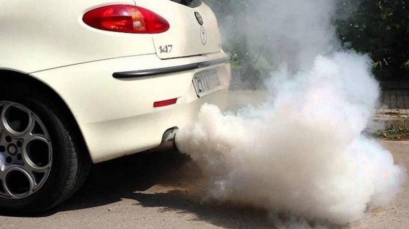 Xéc măng bị hư hỏng có thể làm dầu bôi trơn tiêu hao nhanh